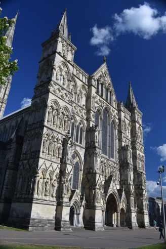SalisburyCathedral (14)-min