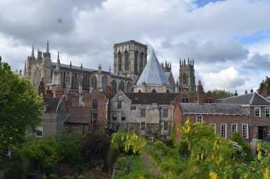 York (75)-min