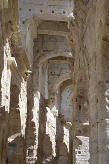 Arles-Uzes (65)-min
